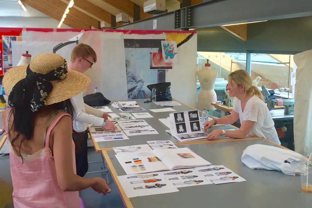 Experience In Fashion Design Which Her Skills Range From Creating Digital Lecture Series To Providing Individual Guidance And Advice Students